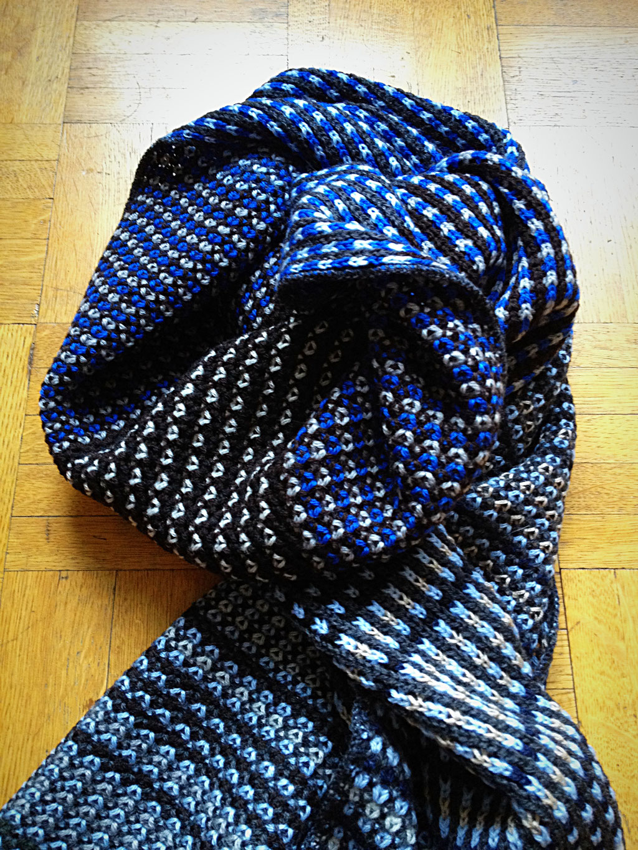 Wollschal aus 100% Merino, erhältlich bei: www.markant.ch