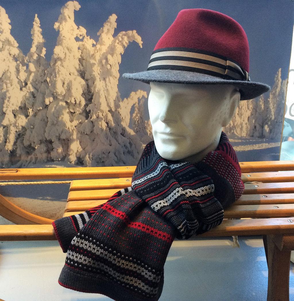 Wollschal aus 100% Merino, Preis: passend dazu der Hut von RISA, beides erhältlich bei: www.markant.ch