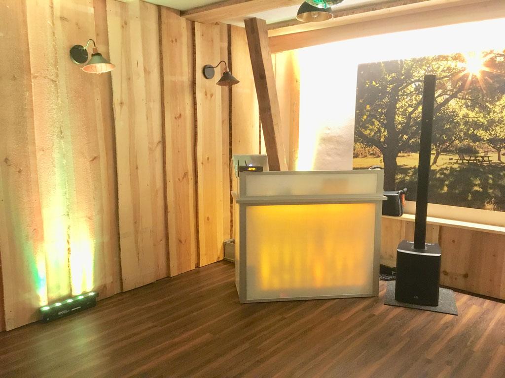 Ton- und Lichtanlage für 40 Personen