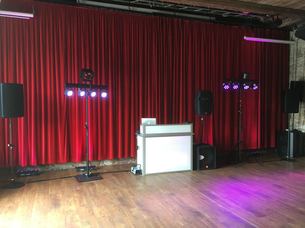 Ton- und Lichtanlage für 120 Personen