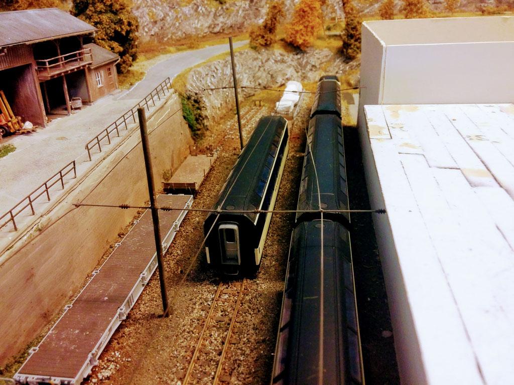 Abstellung des Panoramawagens und der beiden Wagen für den Marmortransport.
