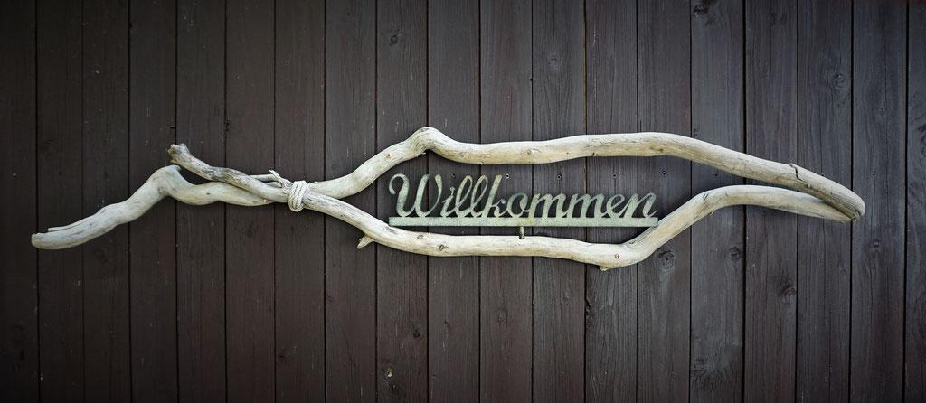 """Willkommen"" Wanddeko Preis 40€"