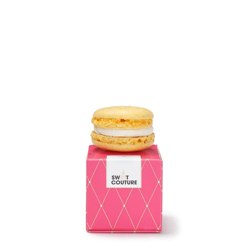 Macaron in Mini Give-Away Box Pink