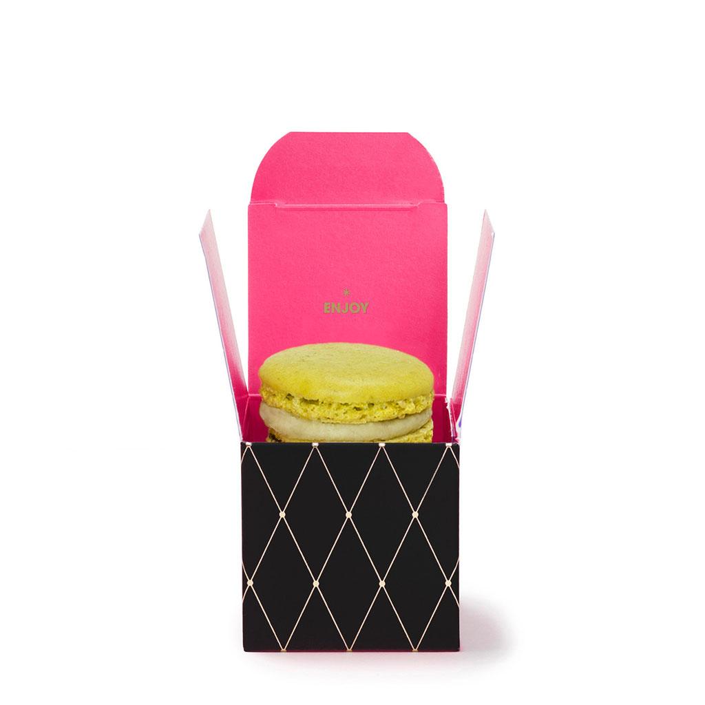 Macaron in Mini Give-Away Box schwarz