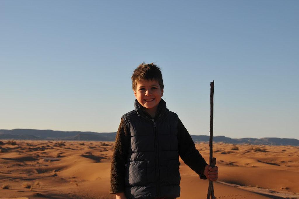 Un petit trekkeur parti avec Mélodie du désert