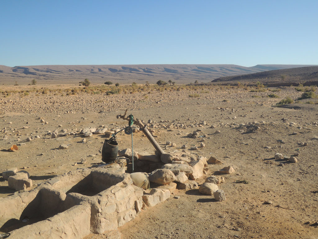Puits sur l'hamada du Drâa Maroc