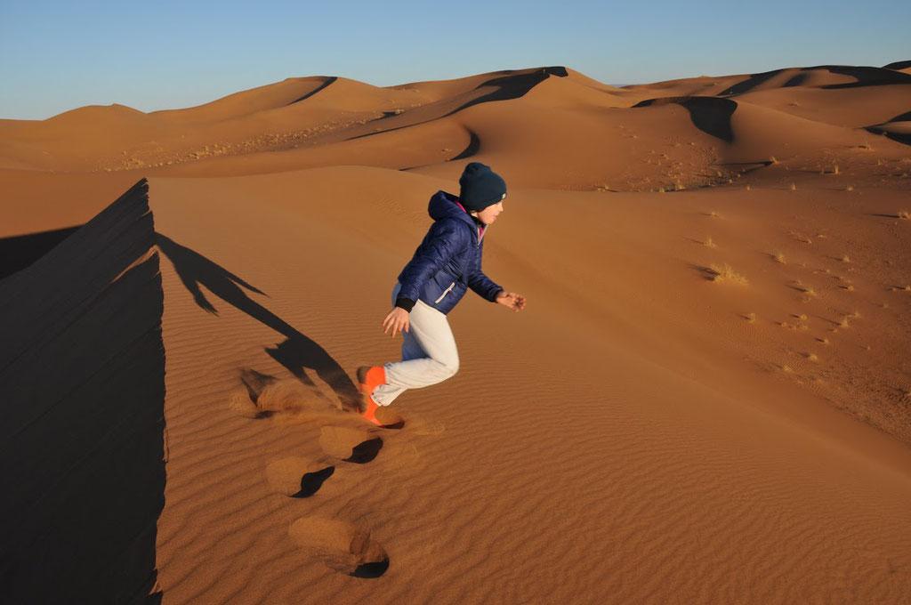 Course dans les dunes du désert Maroc