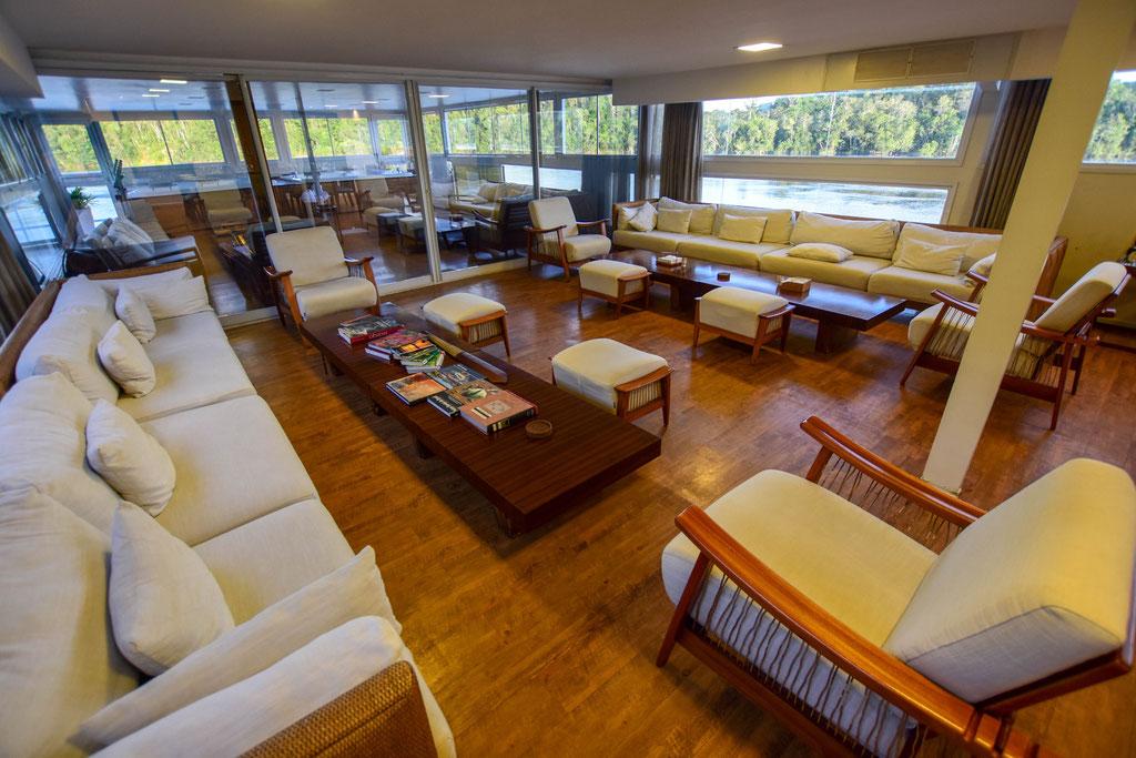 FFTC.club - Untamed Angling Brazil - Marie Rio de Gigantes - Untamed Amazon Vessel - lounge deck