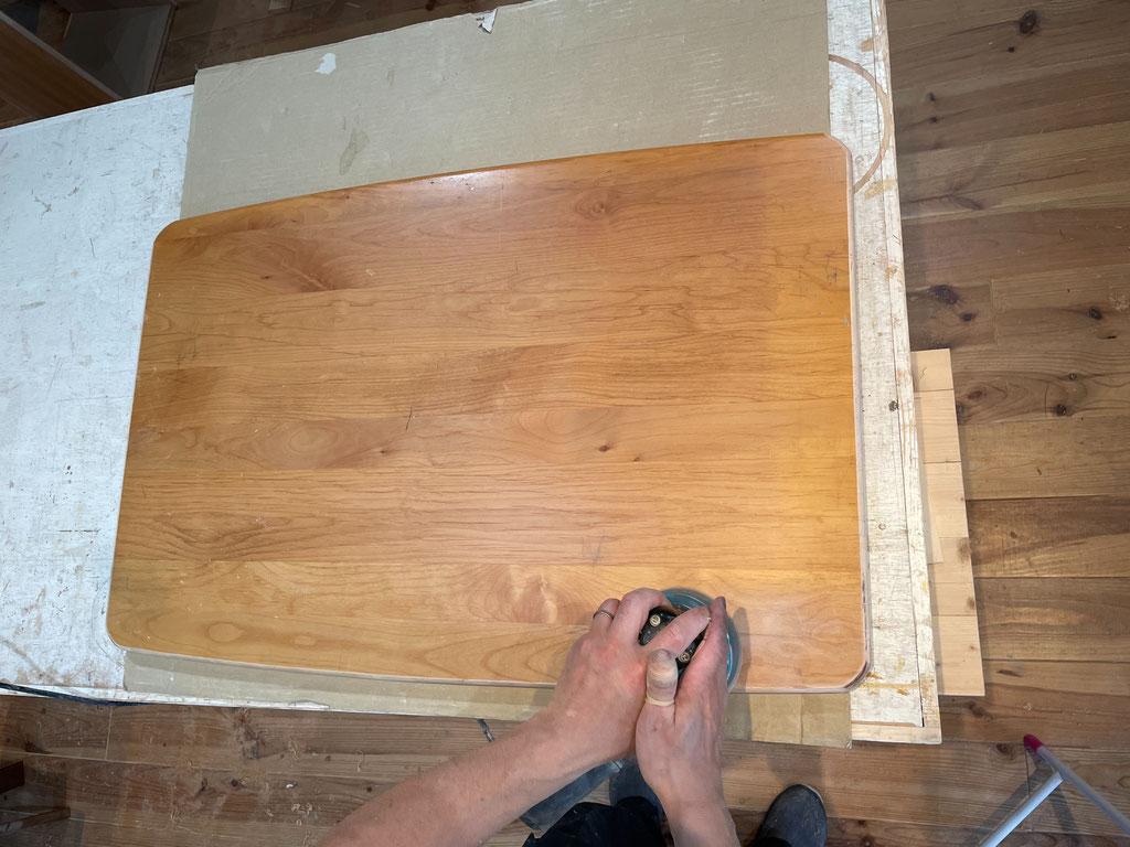 家具リフォーム・研磨作業