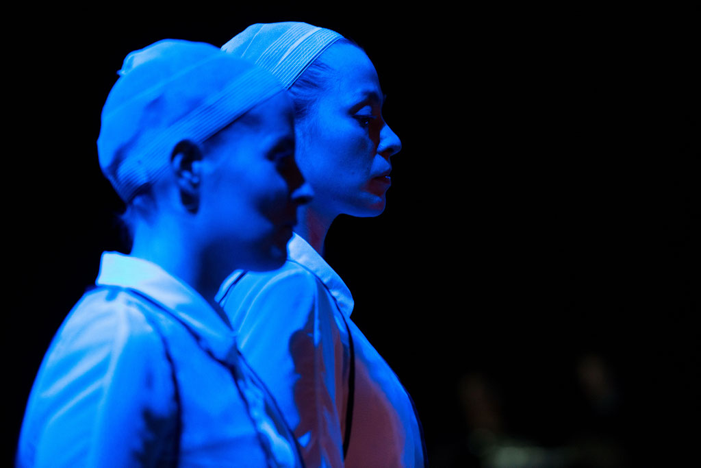Foto: Andreas Schlieter / DIDO AND AENEAS; Second Woman: Marlen Korf