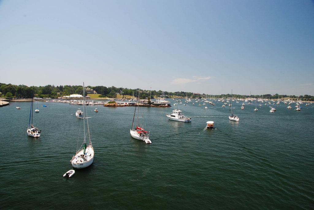 Newport, Schiffe, so weit das Auge reicht