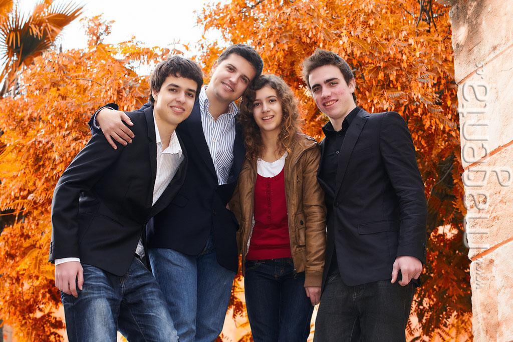 Fotografies profesionals familiars mallorca, Foto Book Familiar Mallorca, Fotos estudio familias mallorca ,  Fotógrafo familias mallorca ,Fotografía familiar mallorca,