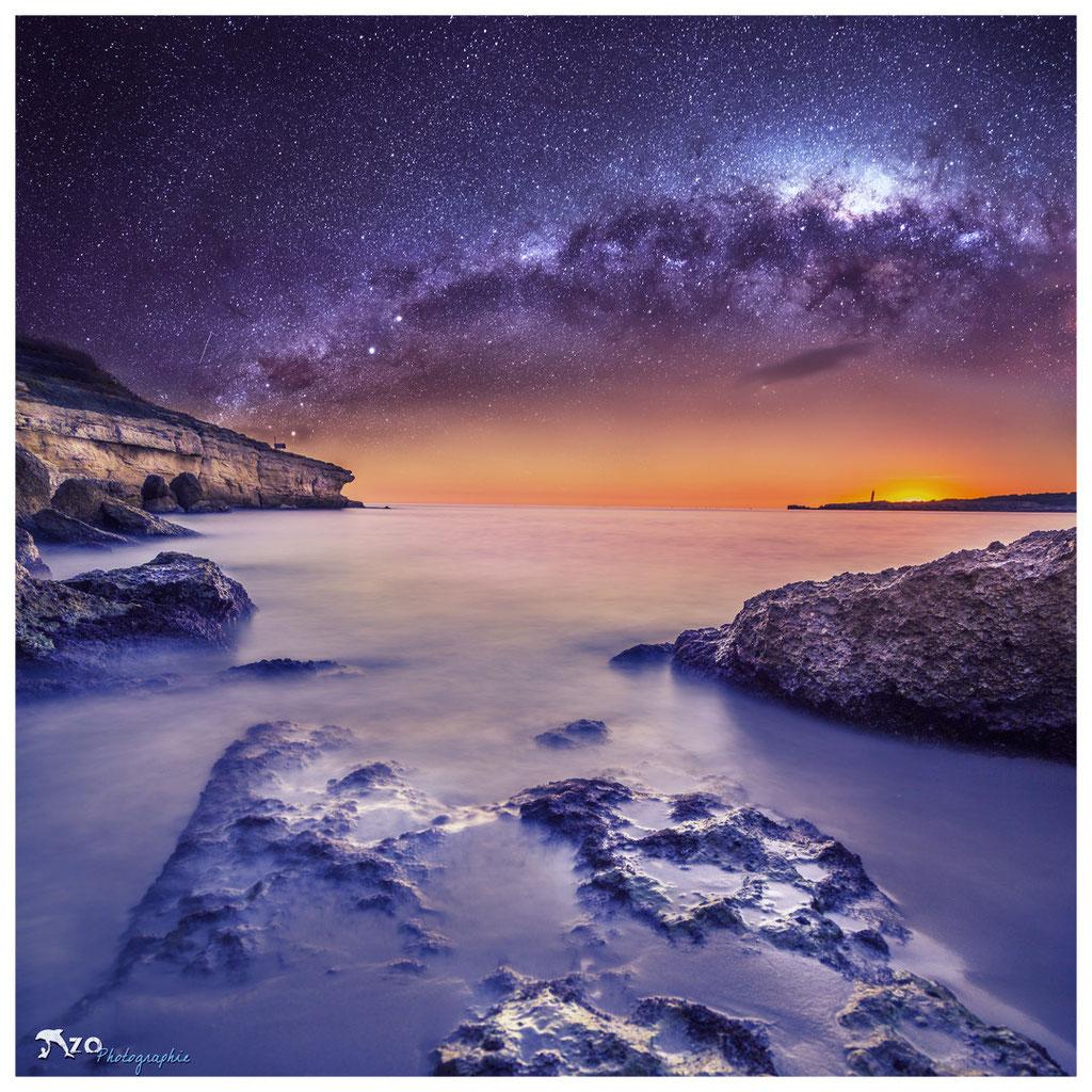 Photographie en longue exposition de nuit de la plage de Sainte-croix - Marseille - Enzo Photographie