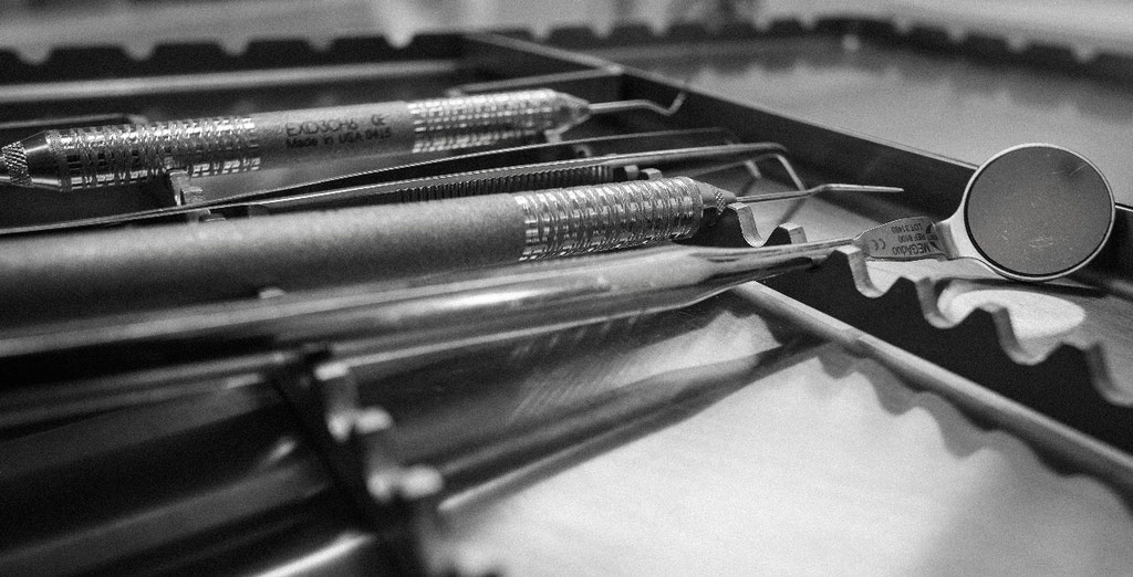 Zahnärztliches Instrumentarium ©Moritz Linnebank