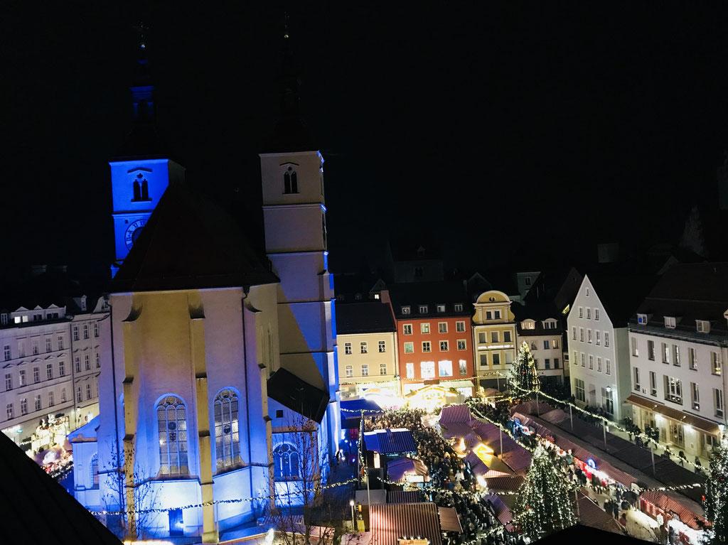 Neupfarrplatz Weihnachtsmarkt ©Jonas Nonnenmacher
