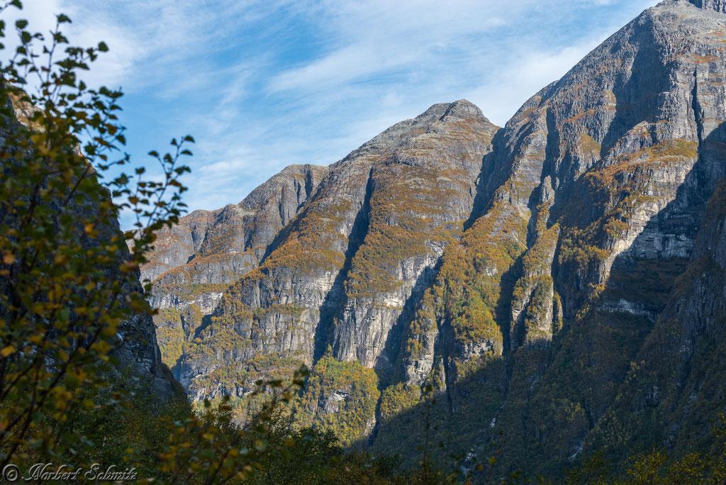 Lovatn-See in Richtung Kjenndal Gletscher