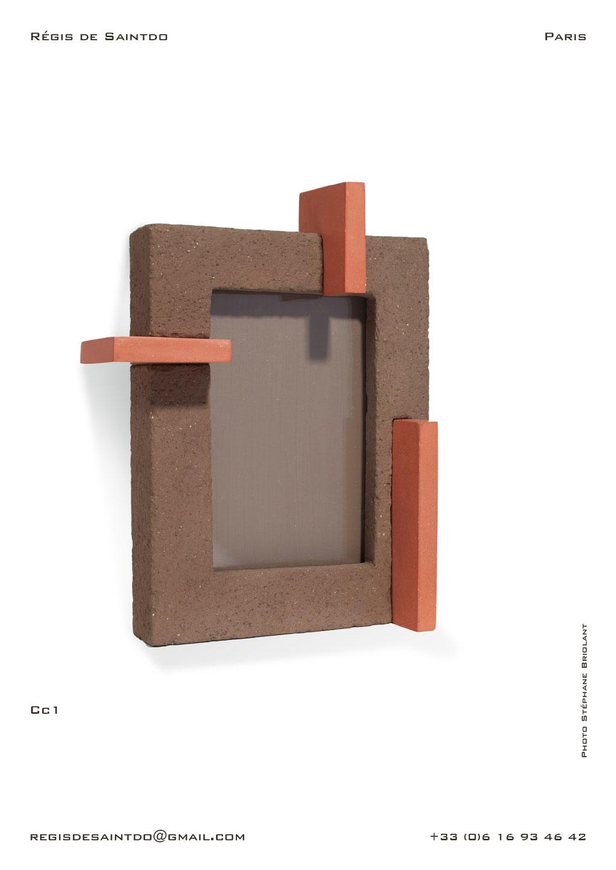 Cadre-Cc1-céramique-brune-brute-rouge-polie-fait-main