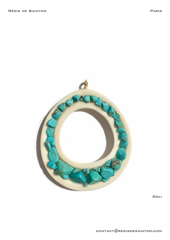 ©Régis de Saintdo-pendant-bone-turquoise tinted howlites-hand made