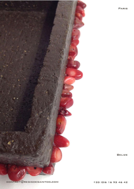 Vide-poche-Belize-céramique-brune-brute-howlite rouge-fait-main