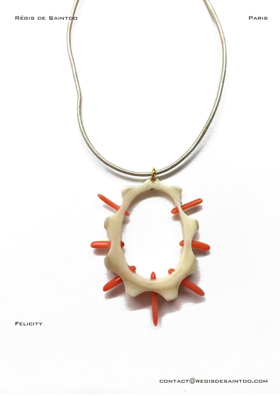 ©Régis de Saintdo-pendant-bone-coral-hand made