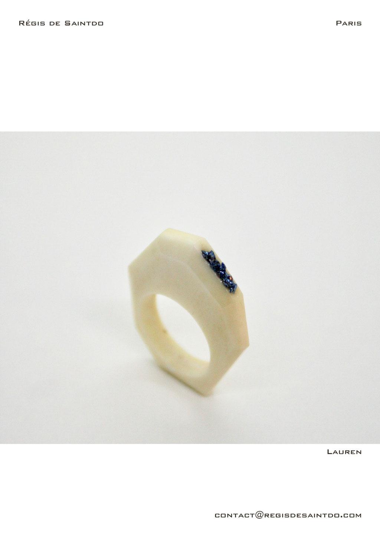 ©Régis de Saintdo-ring-bone-tinted glass-hand made