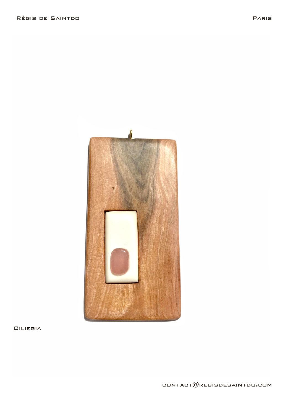 ©Régis de Saintdo-pendant-bone-cherry wood-rose quartz-hand made