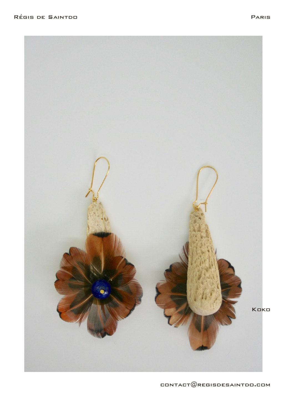 ©Régis de Saintdo-boucles d'oreille-os cornillon-plumes et lapis lazuli-fait main