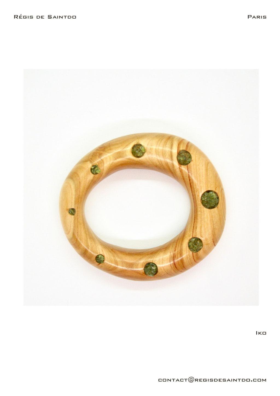 ©Régis de Saintdo-bracelet-cherry wood- Péridot-hand made