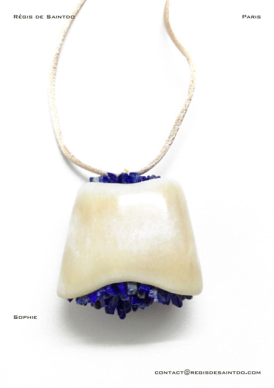 ©Régis de Saintdo-pendant-bone-lapis lazuli-hand made