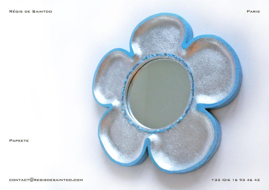 Miroir Papeete en céramique-fait main-feuille d'aluminium teintée bleue-agates bleues