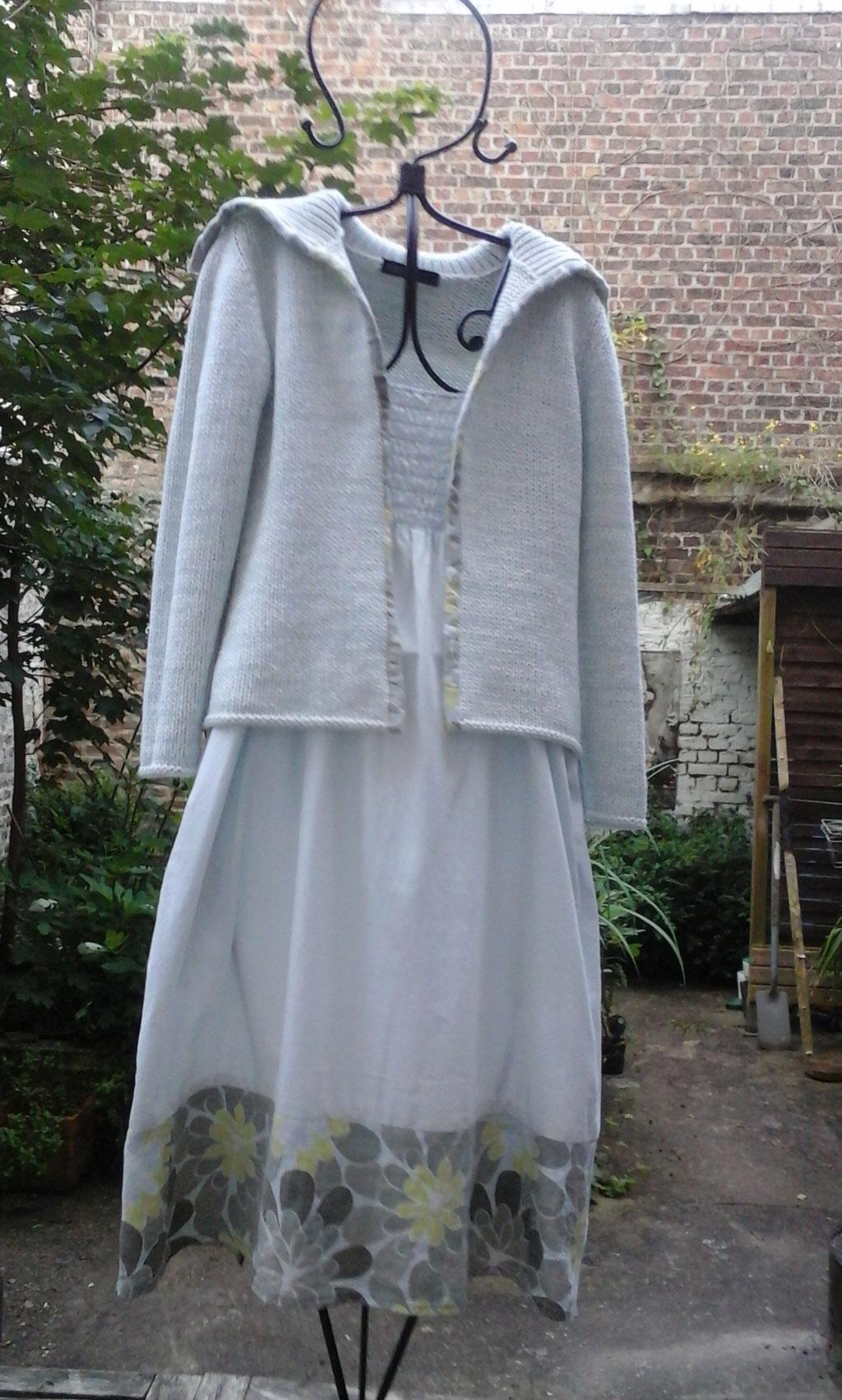 Verlängerung des Sommerkleides mit farbigem  Leinen, verkauft, Idee und Ausführung: Beate Gernhardt