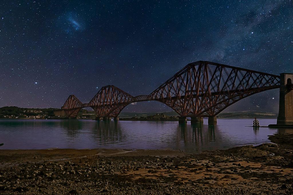 Landschaftsfotografie - Brücke bei Nacht in Schottland
