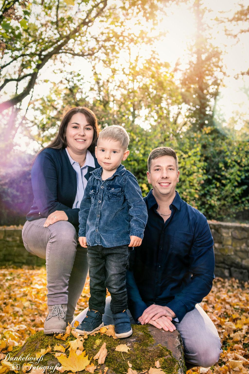 Familienfotografie -  Familienbportrait auf Burg Vlotho