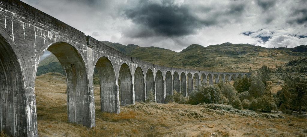 Landschaftsfotografie - Zugverbindung Viadukt in schottland