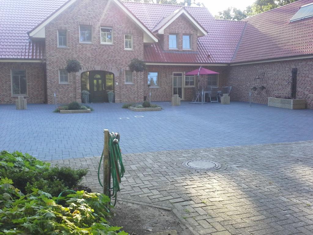 Vorhof eines Einfamilienhauses