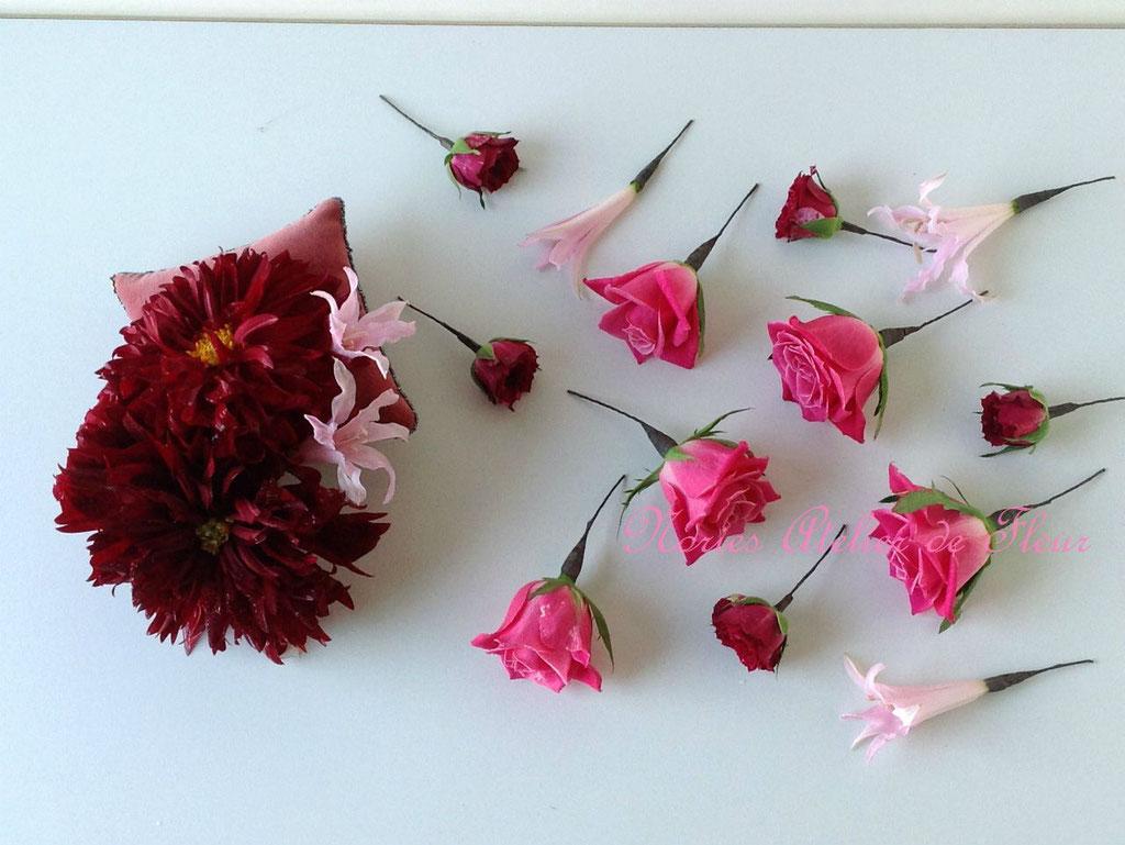 生花のダリアとバラをパーツにしたヘアオーナメント