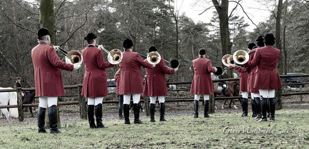 Jagdfotos vom Team @Givemeasmile.de auf der Fotojagd, Peter Jäger   #givemeasmilede  Schleppjagd Rijstal Venhof Roermond 2020 - hinter der Taunusmeute