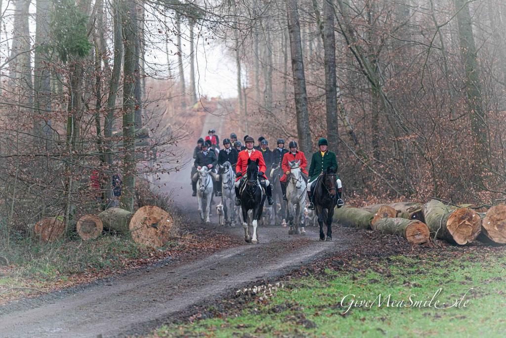 Jagdfotos vom Team @Givemeasmile.de auf der Fotojagd, Peter Jäger   #givemeasmilede  Neujahrs-Schleppjagd Rheinlandmeute 2020 - um den Kennel