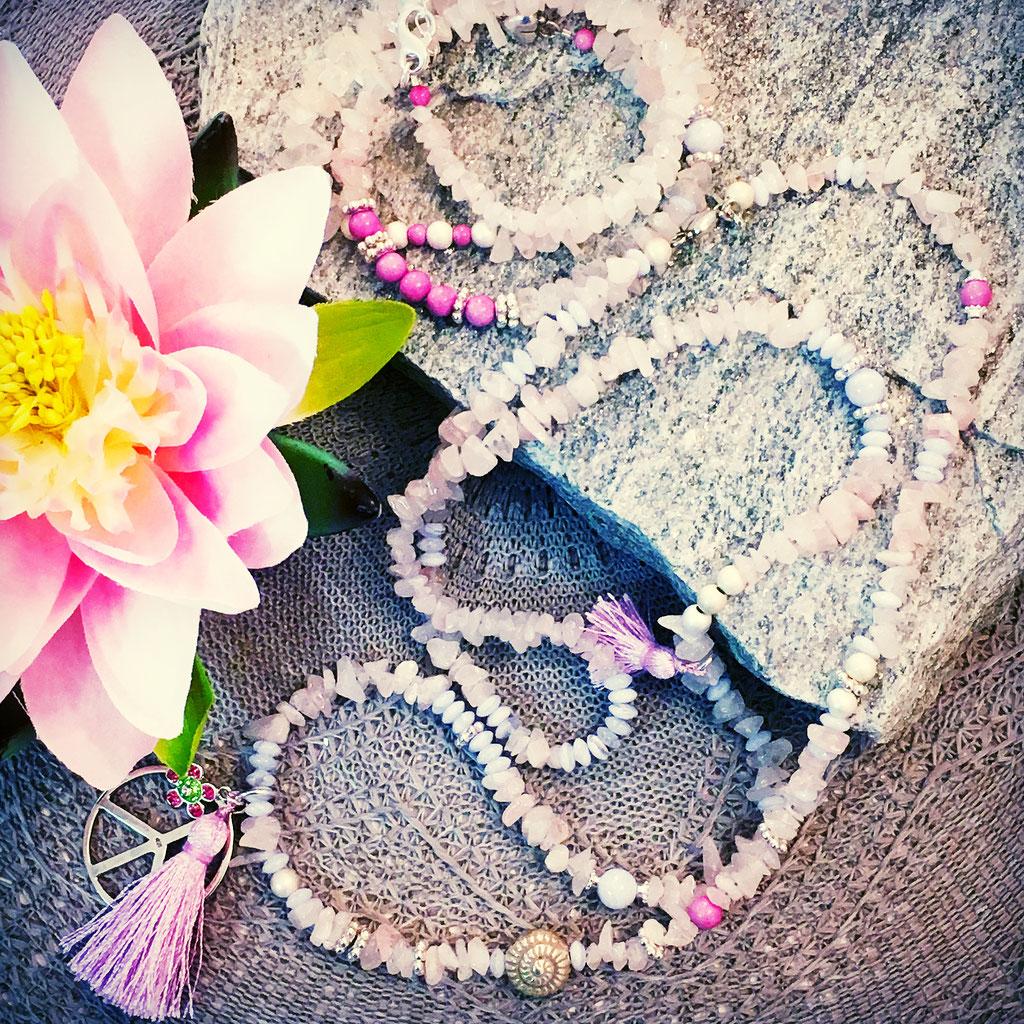 Halskette mit Rosenquarz, 925Silber und Tassel im Onlineshop erhältlich.