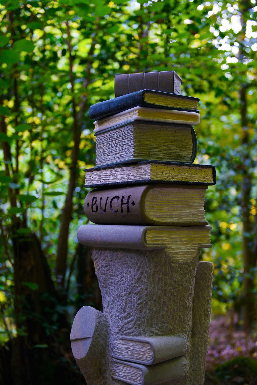 Künstler: HegenerH - von der Buche zum Buch; Foto und Bildbearbeitung Volker Grünenthal