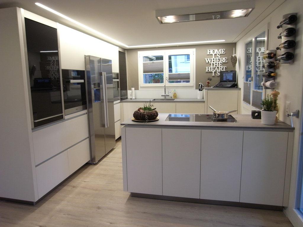 20.02.16 - Küche mit Glasfronten