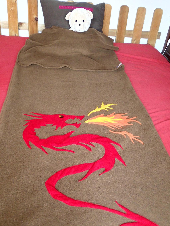 """Sac de couchage """"Du dragon"""" et son sac de rangement"""