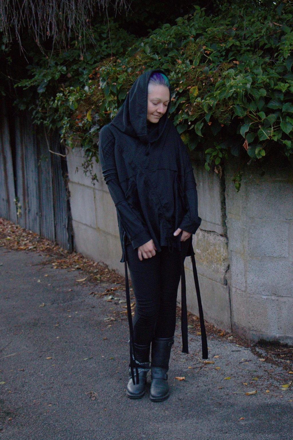 Dark post-apocalyptic outfits I wear to work - avant-garde look with Ynhoia and Dorawyn - Zebraspider Eco Anti-Fashion