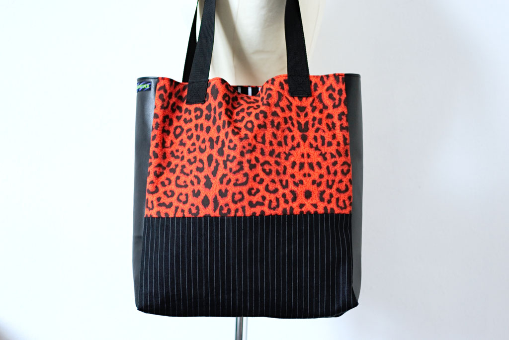 2021 belt bags and new shoulder bags out now! - Tote Bag Leopard & Stripes - Zebraspider Eco Anti-Fashion
