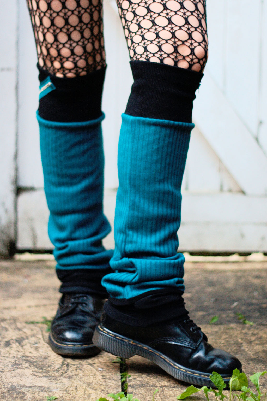 Die neuen Beinstulpen sind da! - Teal Zippers - Zebraspider DIY Anti-Fashion Blog