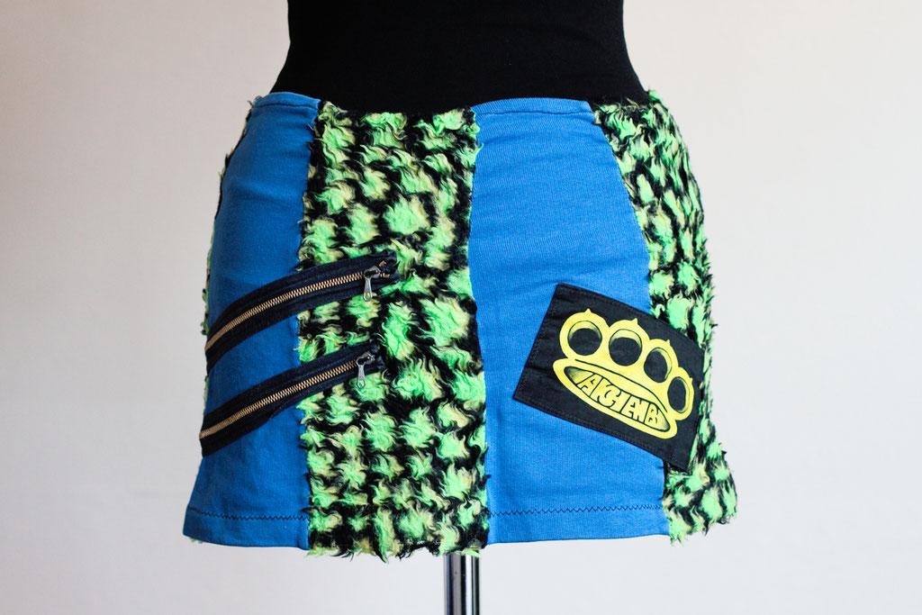 Flohmarkt: Röcke und Leggings - Punk Mini Krokodil blau und grün - Zebraspider DIY Anti-Fashion Blog
