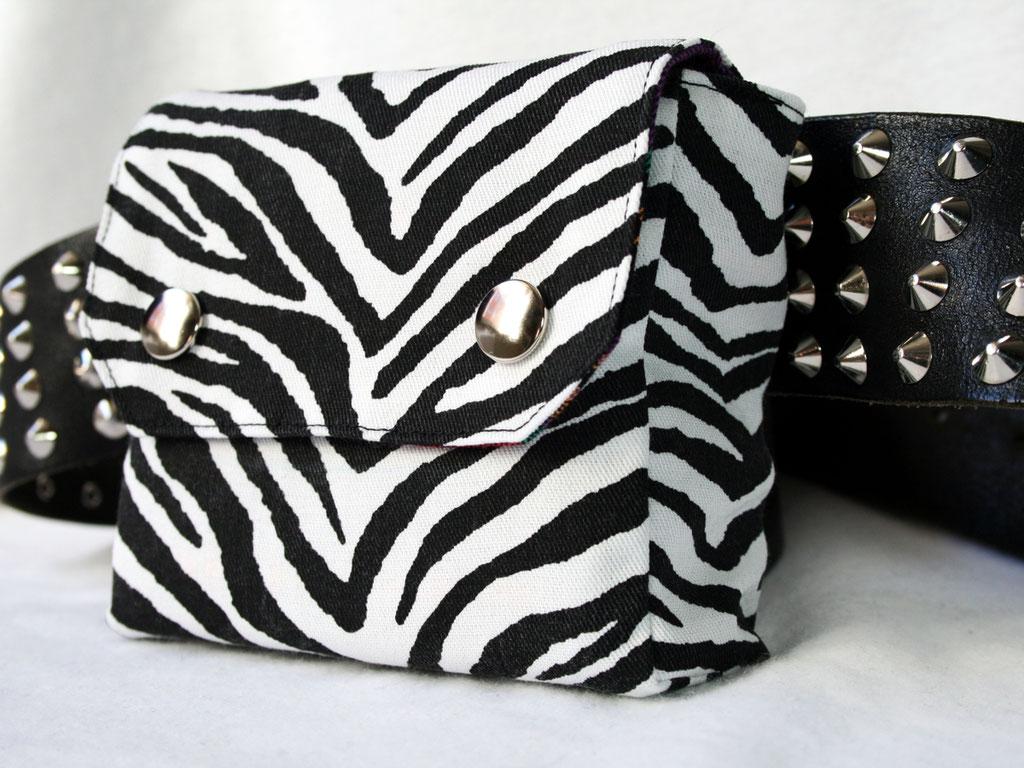 Die Evolution der Gürteltasche - 1.0 Zebra - Zebraspider DIY Blog