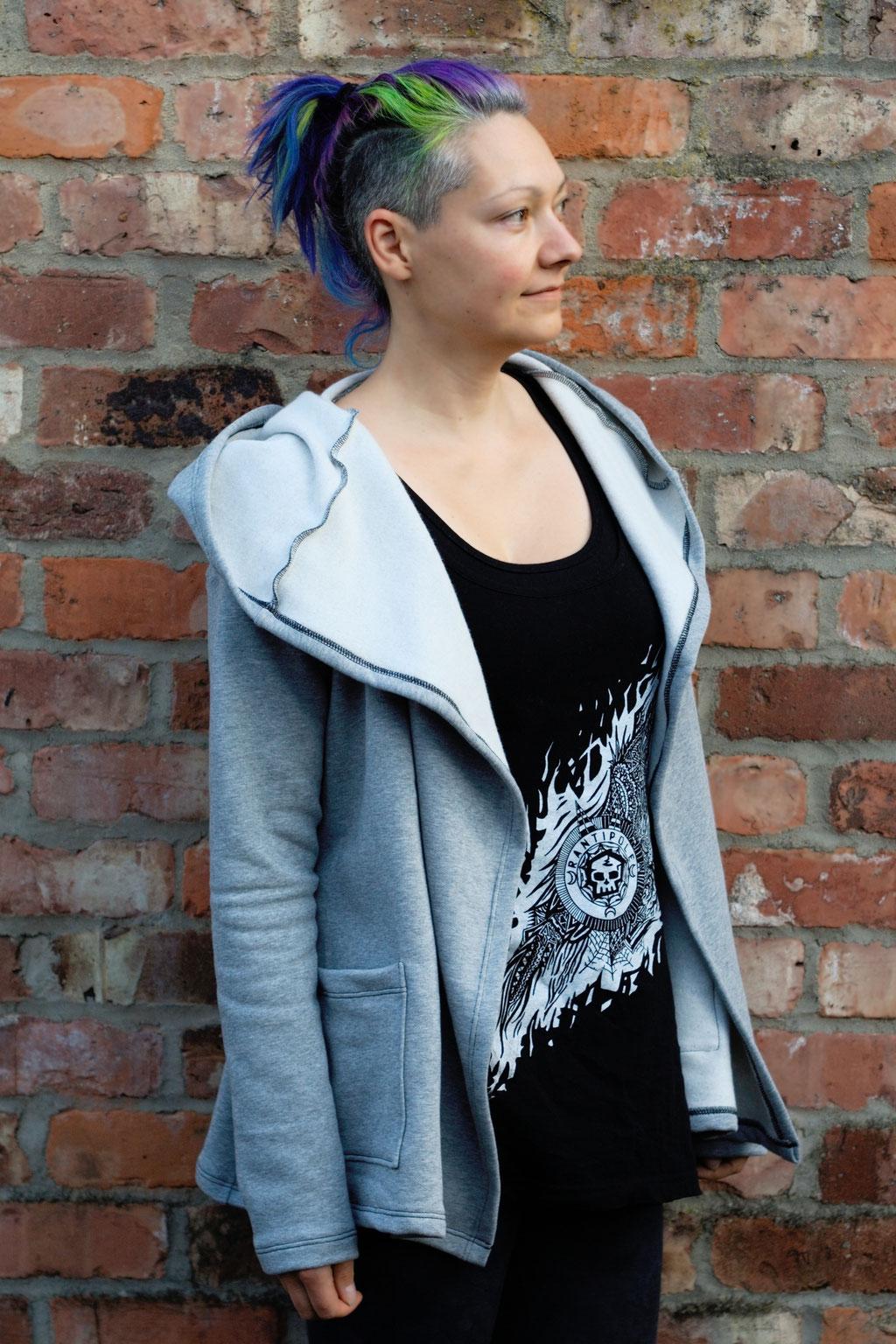 Gefärbter Sweat-Cardigan für den Herbst - vorm Färben - Zebraspider DIY Anti-Fashion Blog