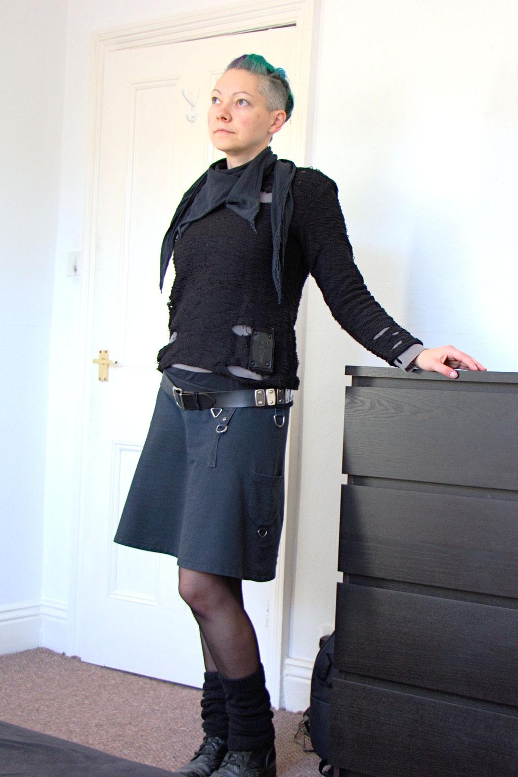 Dark post-apocalyptic outfits I wear to work - corpgoth look - Zebraspider Eco Anti-Fashion