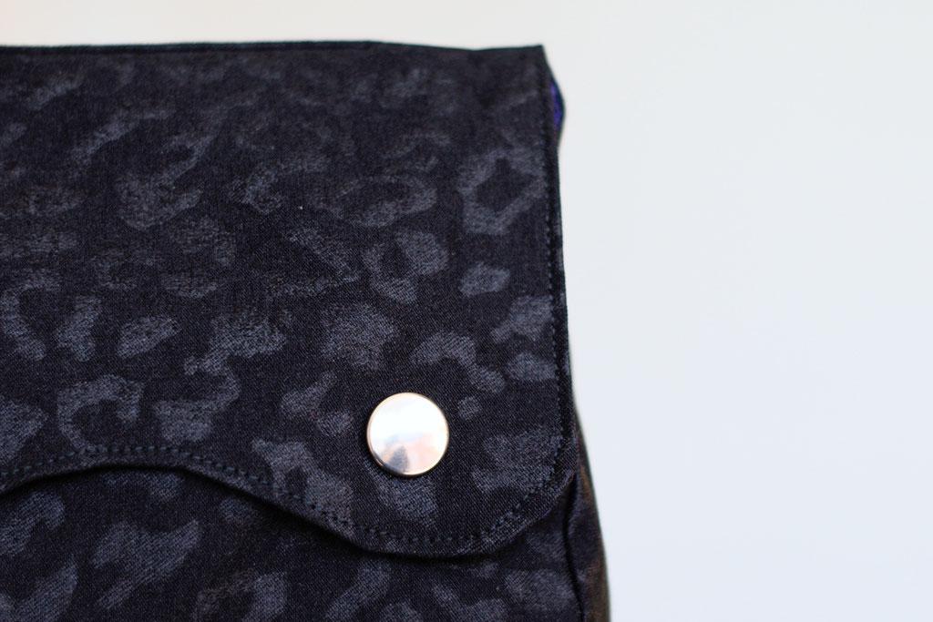 4 Aufträge und eine eigene Gürteltasche - Leomuster schwarz auf schwarz - Zebraspider DIY Anti-Fashion Blog